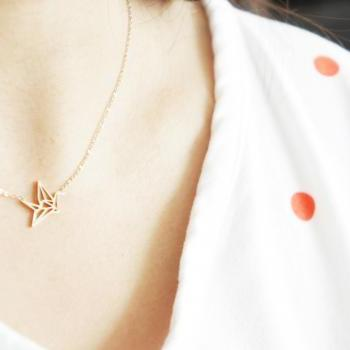 origami crane necklace, rose gold stainless steel, dainty Jewelry for sensitive skin, everyday jewellery, gift for her bridesmaid mom friend